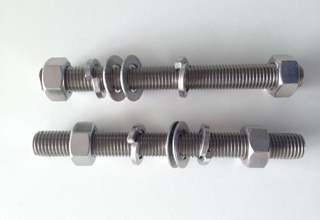 China ASTM A193 Grade B8 Stud Bolt With Nuts and Washers, M16X118mm