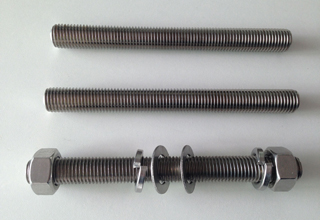 China ASTM A193 Grade B8 Stud Bolt With Nuts and Washers, M19X137mm